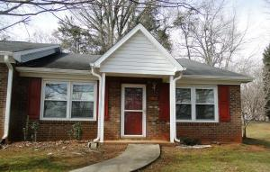condo townhouse 1702 Beaucrest Acenue. High Point, North Carolina - Hometaurus