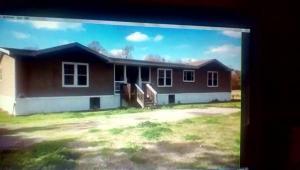 mobile home 219 Pan Am Road. Gheens, Louisiana - Hometaurus