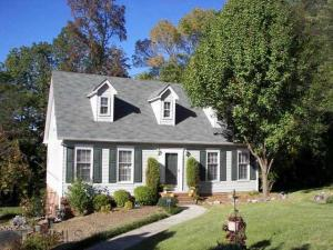 home for sale 1600 Round Hill Cir.. Kernersville, North Carolina - Hometaurus