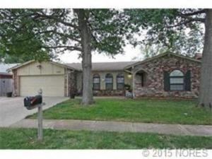 home for sale 10110 E 26th St. Tulsa, Oklahoma - Hometaurus