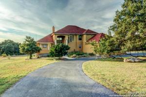 home for sale 169 Hidden Pointe. New Braunfels, Texas - Hometaurus