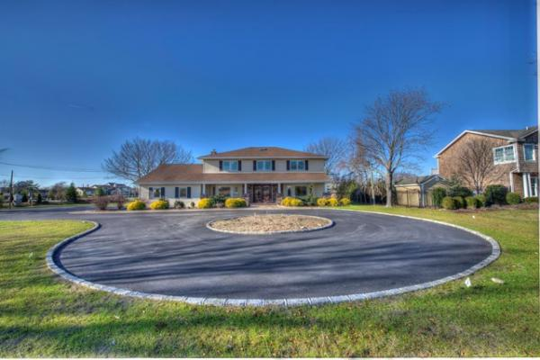 east islip singles Four bedroom single-family homes for sale in east islip, ny on oodle classifieds join millions of people using oodle to find local real estate listings, homes for.