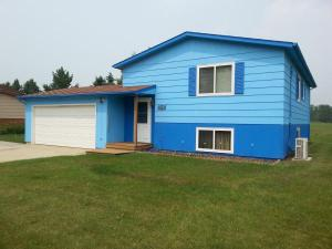 home for sale 1508 Nw Sunset Blvd. Minot, North Dakota - Hometaurus