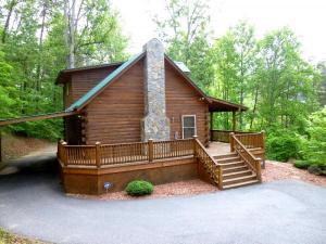 home for sale Rising Ridge Road. Whittier, North Carolina - Hometaurus