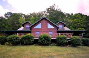 home for sale 577 Kitchin Rd. Whittier, North Carolina - Hometaurus