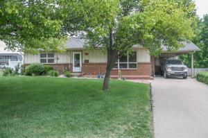 home for sale 400 Saratoga Ct.. Pratt, Kansas - Hometaurus