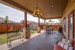 home for sale 12122 Chi Chis Cove. San Antonio, Texas - Hometaurus
