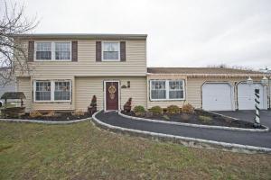 home for sale 10 Sprat Street. Medford, New York - Hometaurus