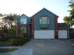 home for sale 1805 North 15th Street. Broken Arrow, Oklahoma - Hometaurus