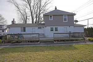 home for sale 1309 5th Ave.. Bay Shore, New York - Hometaurus