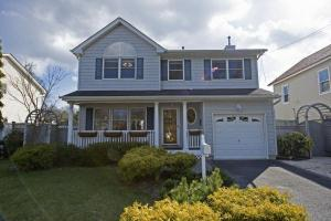 home for sale 212 Maple St. Islip. Islip, New York - Hometaurus