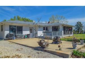 home for sale 163 Hwy E. Steelville, Missouri - Hometaurus