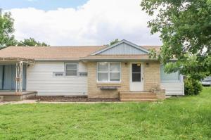 home for sale 208 N Mincer Ave. Stafford, Kansas - Hometaurus