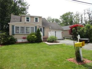 home for sale 7423 Surbrook Rd. Baldwinsville, New York - Hometaurus