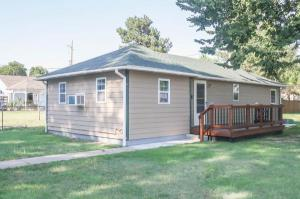 home for sale 714 S Ninnescah St.. Pratt, Kansas - Hometaurus