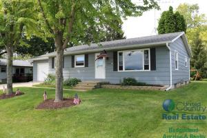 home for sale 1062 E Boughton St. Watertown, Wisconsin - Hometaurus