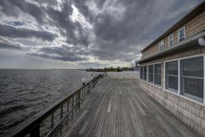 home for sale 14 Cedar Point Drive. West Islip, New York - Hometaurus