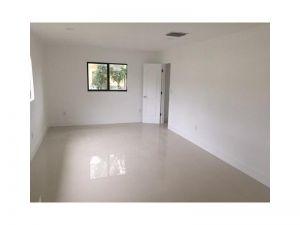 660 Quail Ave. Miami Springs, Florida - Hometaurus
