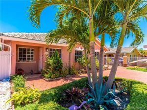 14445 NW 88th Ave. Miami Lakes, Florida - Hometaurus