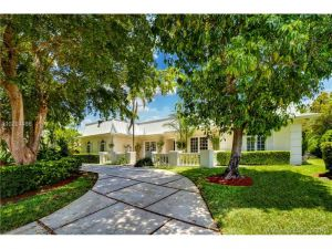 7425 SW 157th Ter. Palmetto Bay, Florida - Hometaurus