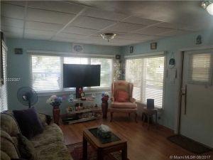 806 Heather. Hallandale, Florida - Hometaurus