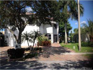 5838 SW 102 Terrace. Cooper City, Florida - Hometaurus
