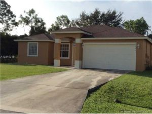 2362 SE Fruit Ave. Port St. Lucie, Florida - Hometaurus