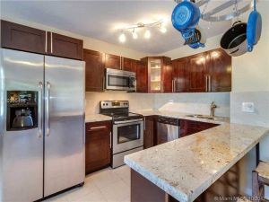 9401 SW 181st Ter. Palmetto Bay, Florida - Hometaurus