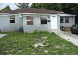 2410 Jackson St. Hollywood, Florida - Hometaurus