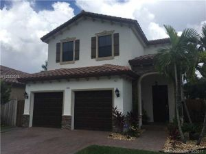 708 SE 33rd Ter. Homestead, Florida - Hometaurus