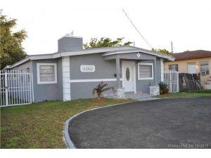 6386 SW 24 Street. Miami, Florida - Hometaurus
