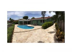 2516 NE 18th Ave. Wilton Manors, Florida - Hometaurus