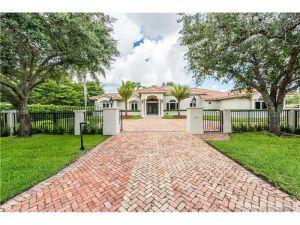 10400 SW 64 Ave. Pinecrest, Florida - Hometaurus