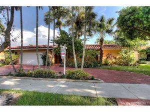 8421 Dundee Ter. Miami Lakes, Florida - Hometaurus