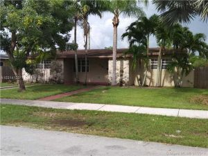 1761 NW 8 Terr. Homestead, Florida - Hometaurus