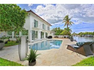 1810 NE 118th Rd. North Miami, Florida - Hometaurus