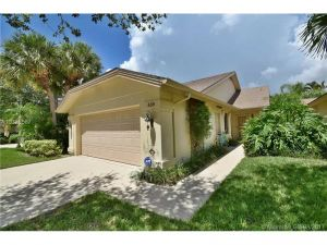 438 River Edge Rd.. Jupiter, Florida - Hometaurus