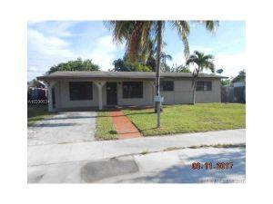 10045 SW 215th St. Cutler Bay, Florida - Hometaurus