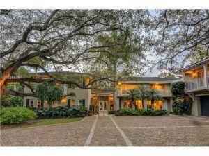 8150 Erwin Rd. Coral Gables, Florida - Hometaurus