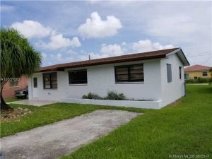 853 SW 3rd St. Florida City, Florida - Hometaurus