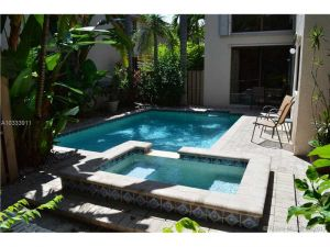 10640 NW 17th Pl. Plantation, Florida - Hometaurus