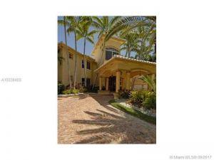 8205 NW 157  Te. Miami Lakes, Florida - Hometaurus