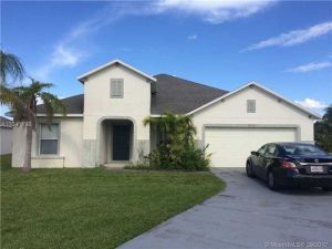 5926 NW Brianna Ct. Port St. Lucie, Florida - Hometaurus