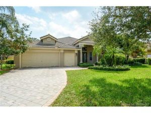 8100 Bermuda Point Ln. Davie, Florida - Hometaurus
