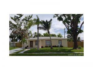 14421 Ellington St. Miami, Florida - Hometaurus