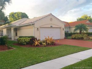 20815 NW 15th St. Pembroke Pines, Florida - Hometaurus