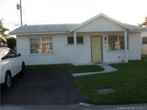 4571 NW 16th Ave. Tamarac, Florida - Hometaurus