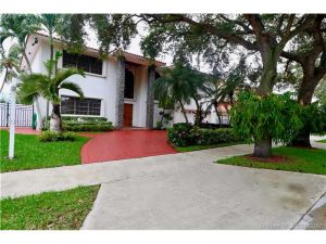 7941 NW 169th Ter. Miami Lakes, Florida - Hometaurus