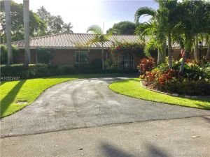 16141 SW 83rd Ave. Palmetto Bay, Florida - Hometaurus
