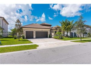 9762 Montpellier Dr. Delray Beach, Florida - Hometaurus